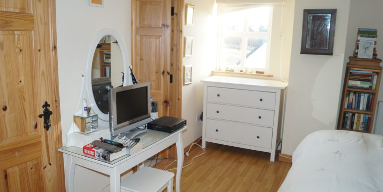 RANDALL - MAIN BEDROOM - TABLE AND SIDEBOARD