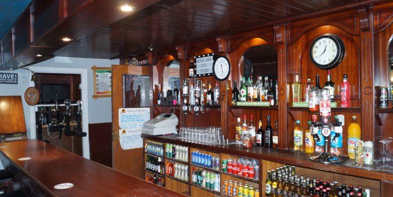 Petes Pub bar pic angle 2 Jan 20 mba