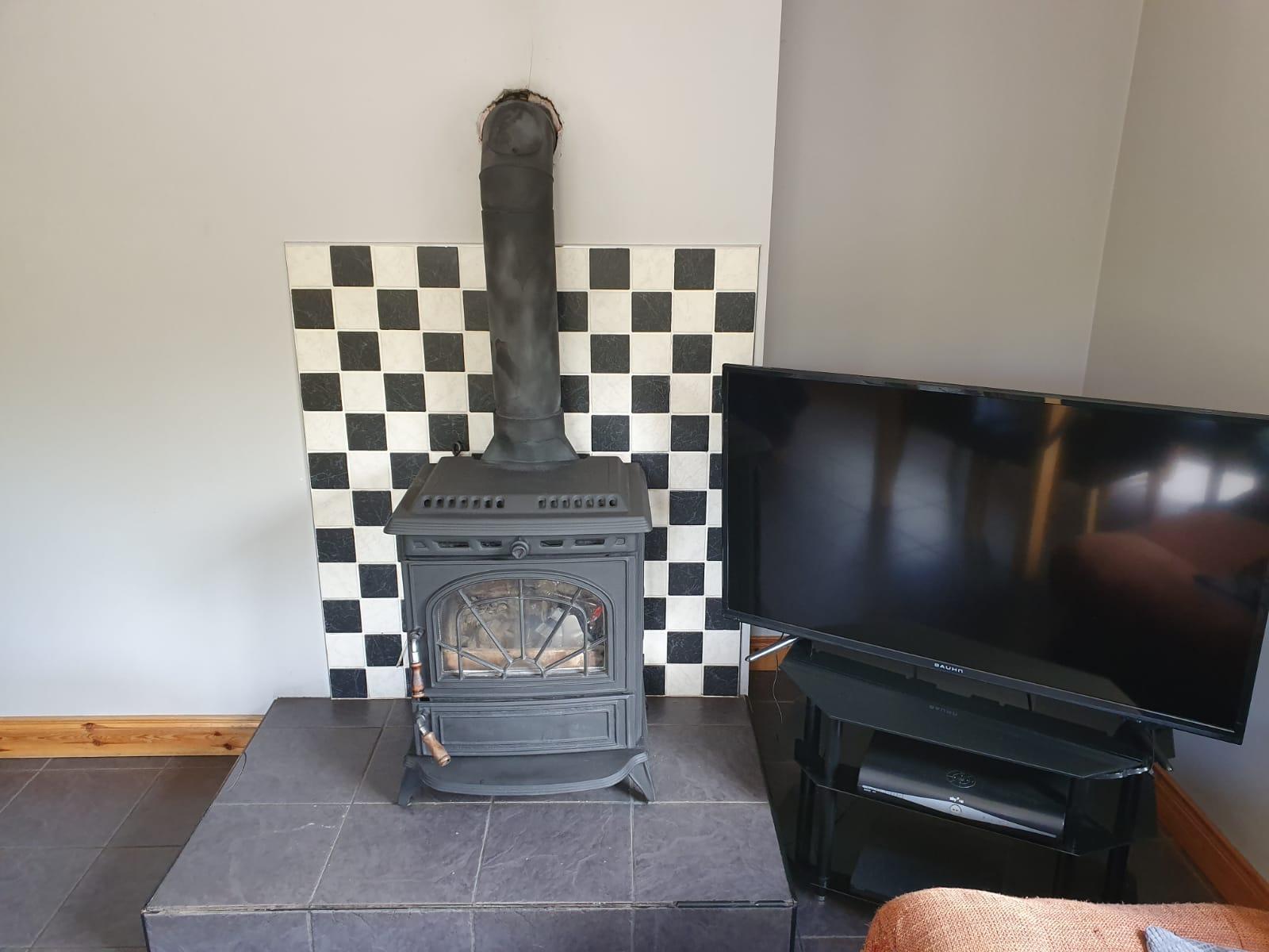 Mullis - Kitchen stove.