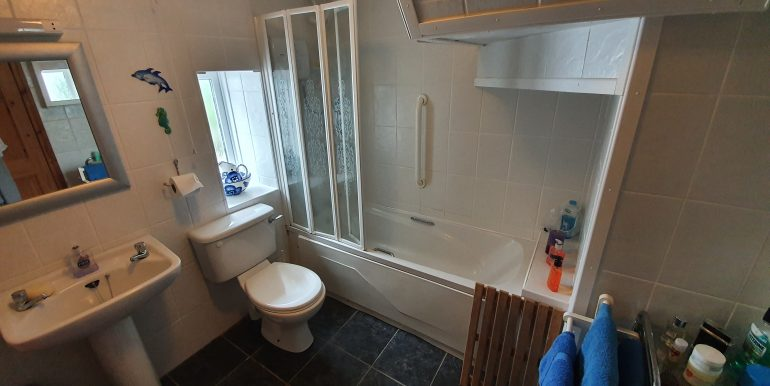 Mc Murray - Bathroom - E.
