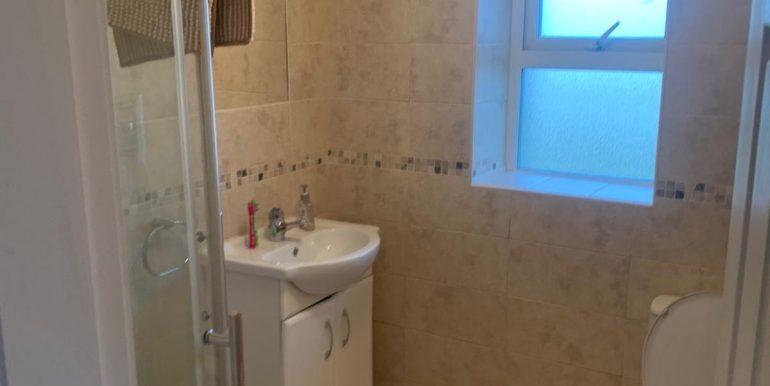 Sharon Harley - Braade - Bathroom.