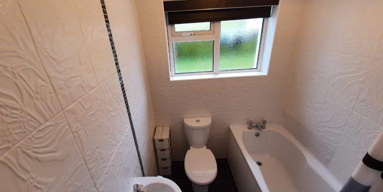 Karen Cullen - Bathroom 2.