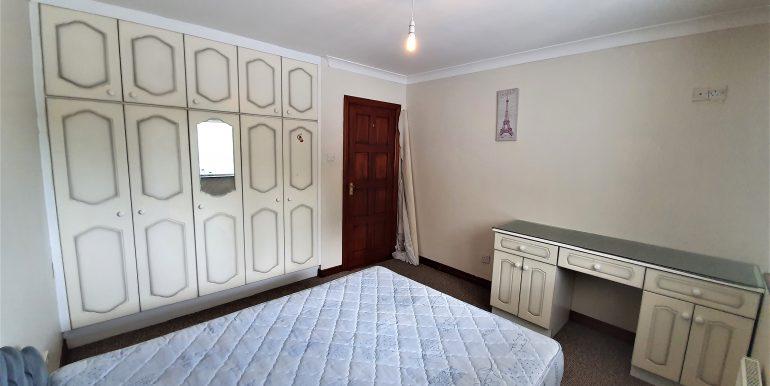 Joe Joyce bedroom 3 May 2021