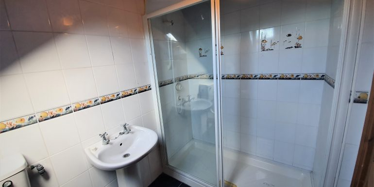 Joe Joyce first floor shower room May 2021