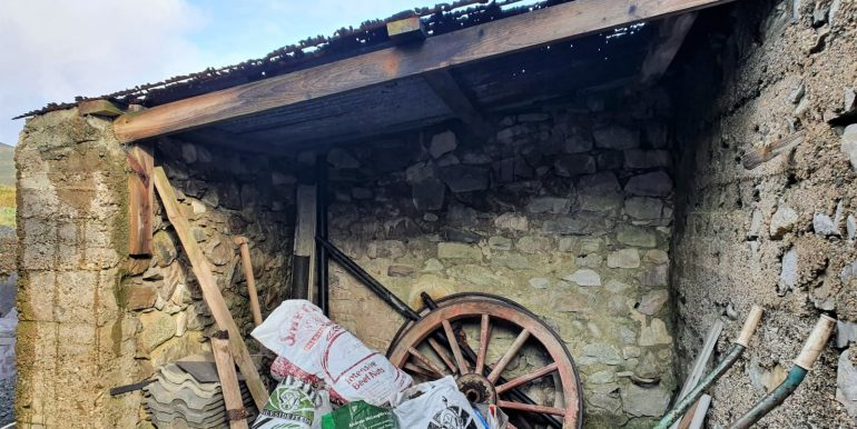 Hughie Boyle - Cart shed new.