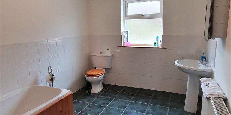 Paul Conlon main bathroom Derryconner