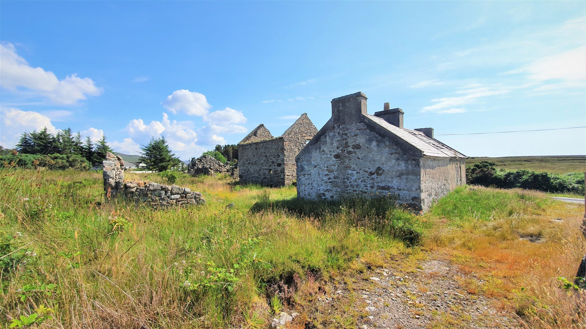 Old Traditional Cottage Building –  Stranabrooey,Derrybeg.