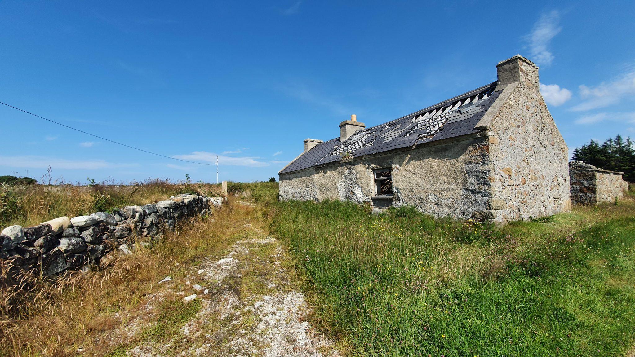 Stranabrooey, Derrybeg – stone cottage ruin.